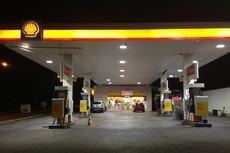 Shell and Vivo retail stations, Nairobi